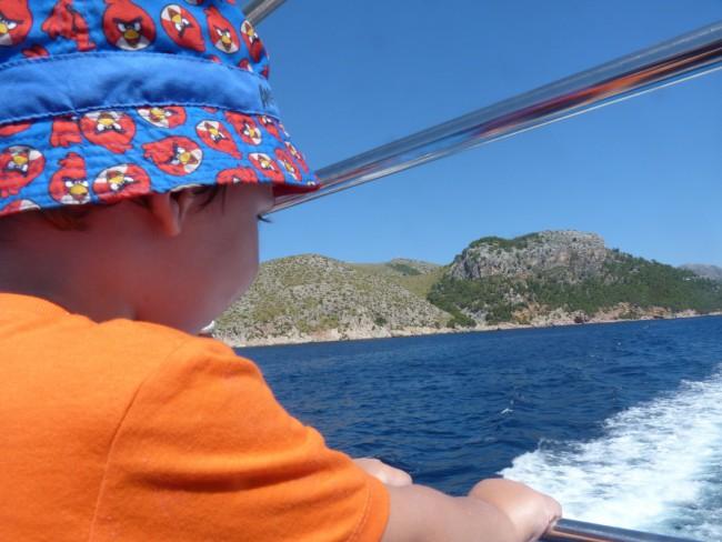 Ferry polleÇa a cala formentor, Mallorca.