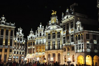 La Grand Place de noche, Bruselas