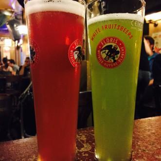 Cervezas en Delirium Tremens, comer en bruselas