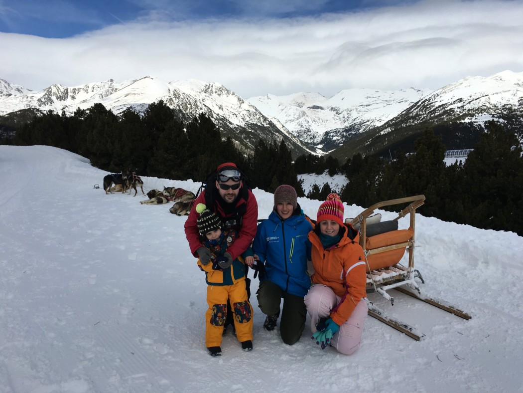 Foto de grupo. mushing en Grandvalira, Andorra.